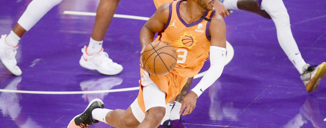 Lakers vs. Suns score, takeaways: Phoenix evens series in Game 4; Anthony Davis suffers groin injury in loss